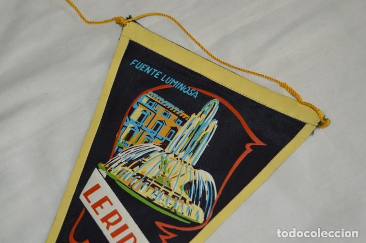 Banderines de colección: Vintage - LOTE 2 BANDERINES - LÉRIDA - FUENTE LUMINOSA / SEO ANTIGUA - AÑOS 60 - HAZ OFERTA! - Foto 3 - 171026630