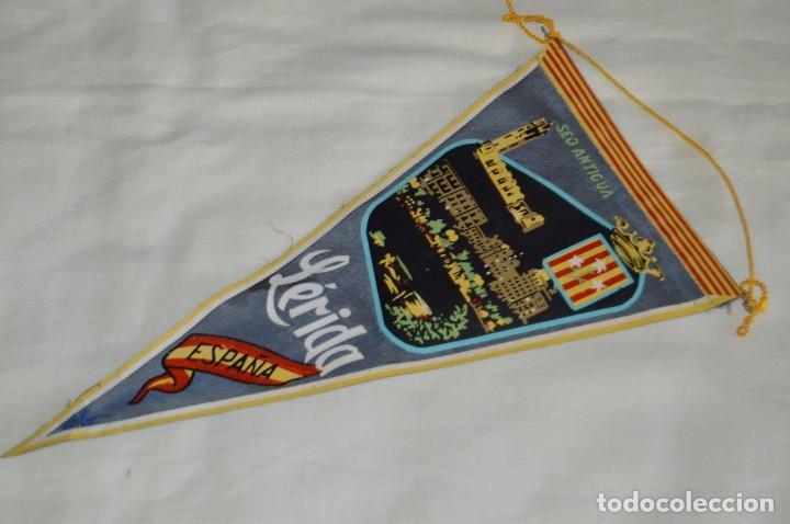 Banderines de colección: Vintage - LOTE 2 BANDERINES - LÉRIDA - FUENTE LUMINOSA / SEO ANTIGUA - AÑOS 60 - HAZ OFERTA! - Foto 7 - 171026630
