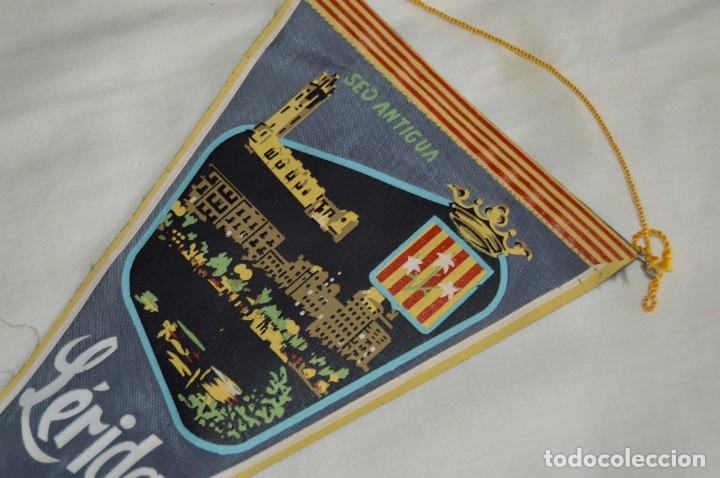 Banderines de colección: Vintage - LOTE 2 BANDERINES - LÉRIDA - FUENTE LUMINOSA / SEO ANTIGUA - AÑOS 60 - HAZ OFERTA! - Foto 8 - 171026630