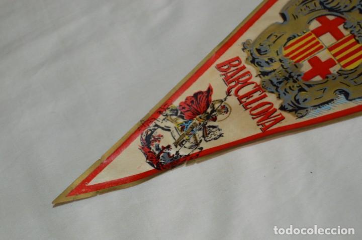 Banderines de colección: Vintage - LOTE 2 BANDERINES - BARCELONA / MONTSERRAT - PRECIOSOS - AÑOS 60 - HAZ OFERTA! - Foto 4 - 171026797