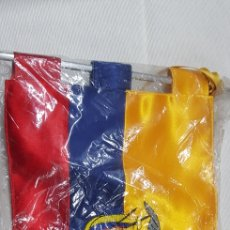 Banderines de colección: BANDERÍN TELA BORDADO DE COLOMBIA. Lote 176446480