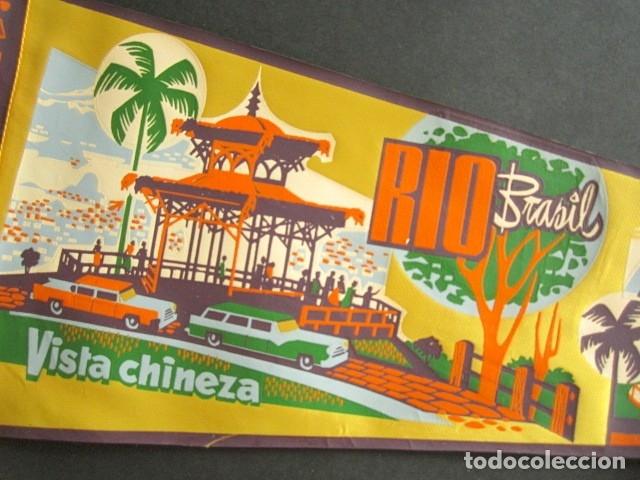 Banderines de colección: ANTIGUO BANDERÍN RÍO, BRASIL. VISTA CHINEZA. PEDRA DA GÁVEA. 52 X 18 CM - Foto 2 - 178683256