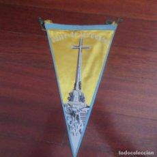 Banderines de colección: ANTIGUO BANDERIN FRANQUISTA VALLE DE LOS CAIDOS. Lote 178776581