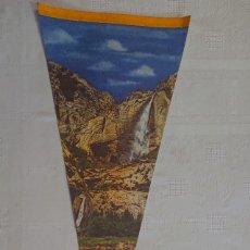 Banderines de colección: BANDERÍN VINTAGE YOSEMITE NATIONAL PARK CALIFORNIA USA SOUVENIR / PENNANT 80'S. Lote 181471968