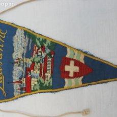 Banderines de colección: BANDERIN BORDADO LAUSANNE SUIZA AÑOS 50-60. Lote 186286268