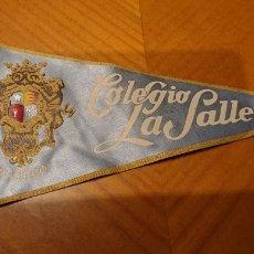 Banderines de colección: VALLADOLID, BANDERÍN COLEGIO LA SALLE. AÑOS 60.. Lote 195045561