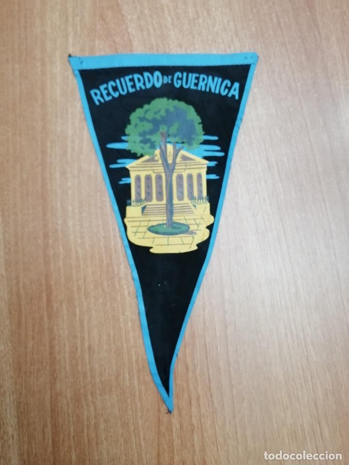 BANDERIN DE RECUERDO DE GUERNICA (Coleccionismo - Banderines)