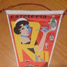 Banderines de colección: VALLADOLID, BANDERÍN CAFETERÍA RÍO. ORIGINAL, MUY RARO.. Lote 196224908