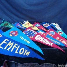 Banderines de colección: LOTE DE 12 BANDERINES DE ESCUDOS DÉCADA DE LOS 60. Lote 198597917