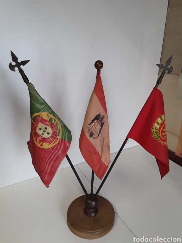 ANTIGUAS BANDERAS DE DESPACHO ON LAS BANDERAS DE PORTUGAL - ESPAÑA - ZARAGOZA (EPOCA DE FRANCO) (Coleccionismo - Banderines)