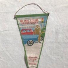 Banderines de colección: BANDERIN, TRAFICO, 1961. Lote 206205751