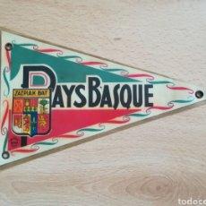 Banderines de colección: ANTIGUO Y RARO BANDERÍN PAYS BASQUE.. Lote 211899117