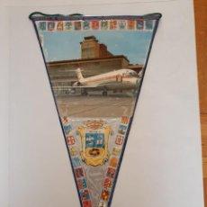 Banderines de colección: BANDERÍN PLASTIFICADO DE MADRID, AEROPUERTO DE BARAJAS. Lote 215696280