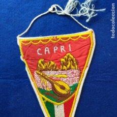 Banderines de colección: BANDERÍN ANTIGUO. RECUERDO DE LA CIUDAD DE CAPRI. TELA BORDADA. Lote 217223711