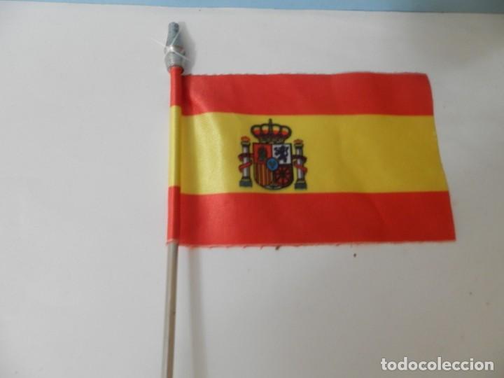 Banderines de colección: BADERINES DE MESA BANDERA ESPAÑOLA BANDERIN - Foto 2 - 217877046