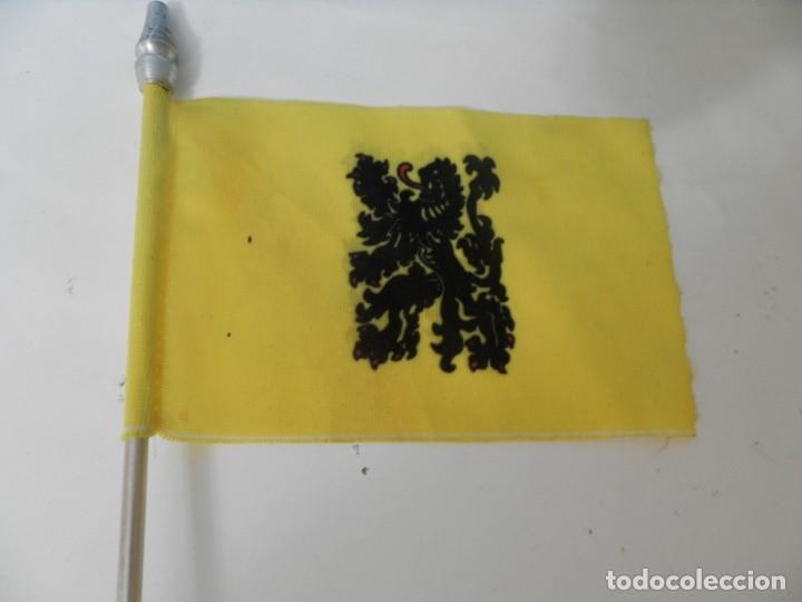 Banderines de colección: BADERINES DE MESA BANDERA ESPAÑOLA BANDERIN - Foto 4 - 217877046
