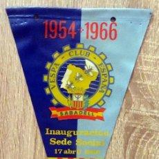 Banderines de colección: BANDERIN VESPA CLUB ESPAÑA SABADELL INAUGURACION SEDE SOCIAL 17 ABRIL 1966. Lote 231837040