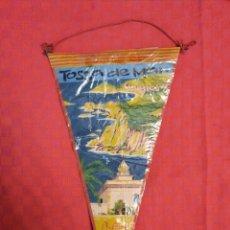 Banderines de colección: BANDERIN ANTIGO TOSSA DE MAR COSTA BRAVA CON SU ENVOLTORIO DE PLASTICO. Lote 253799060