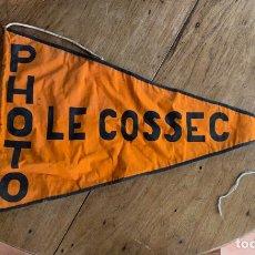 Banderines de colección: BANDERÍN / BANDERA PHOTO LE COSSEC. Lote 257288780