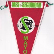 Banderines de colección: ANTIGUO BANDERÍN MES DE LA SEGURIDAD MAYO 1967 MEDIDAS 28 X 15 CM. Lote 259848695