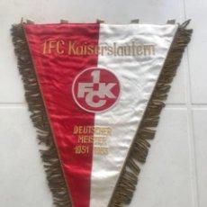Banderines de colección: BANDERIN BORDADO DEL 1.FC KAISERSLAUTERN CAMPEÓN ALEMÁN (1951-19523)1960'S.. Lote 271930608