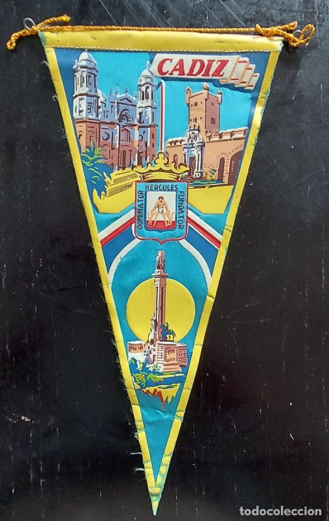 ANTIGUO BANDERIN DE CADIZ - AÑOS 60 - 27 CM - (Coleccionismo - Banderines)