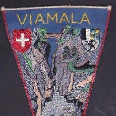 Banderines de colección: BANDERIN BORDADO MONTAÑISMO VIAMALA SUIZA. Lote 289858738