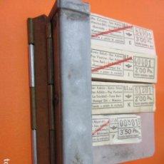 Coleccionismo Billetes de transporte: CAJETIN COBRADOR URBAS URBANIZACIONES Y TRANSPORTES BARCELONA CON 4 TACOS DE BILLETES DE LA EMPRESA. Lote 137403322