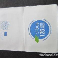Coleccionismo Billetes de transporte: PORTA TARJETA CONMEMORATIVA 125 AÑOS DBUS SAN SEBASTIAN - FERROCARRIL METRO AUTOBUS RENFE TRANVIA. Lote 142151642