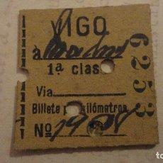 Coleccionismo Billetes de transporte: ANTIGUO BILLETE FERROCARRIL.VIGO-MADRID.AÑOS 40. Lote 142364110