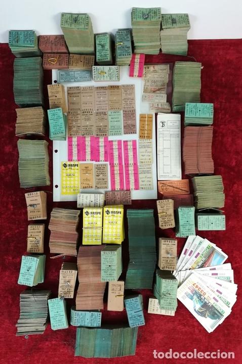 Coleccionismo Billetes de transporte: FERROCARRIL. LOTE DE 2538 BILLETES DE TRANSPORTE. RENFE. VARIOS AÑOS. ESPAÑA - Foto 2 - 168468232