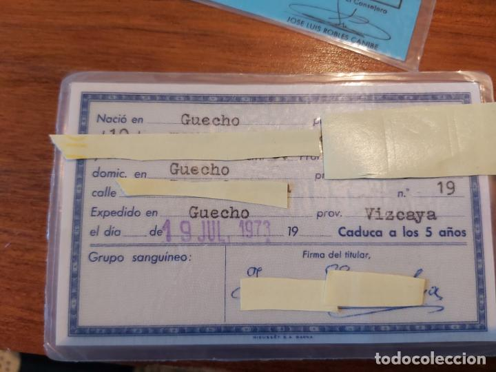Coleccionismo Billetes de transporte: Billete tren ferrocarril gobierno vasco 1981 pase especial y dni expedido 1973 de la misma persona - Foto 2 - 204826023