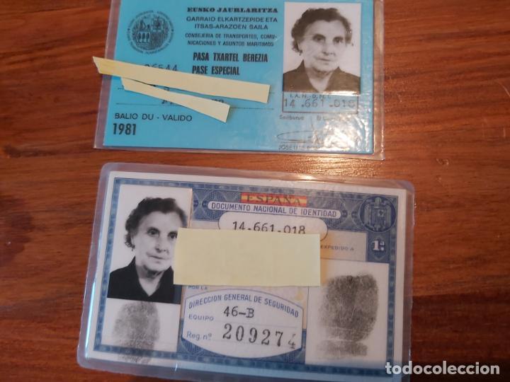 BILLETE TREN FERROCARRIL GOBIERNO VASCO 1981 PASE ESPECIAL Y DNI EXPEDIDO 1973 DE LA MISMA PERSONA (Coleccionismo - Billetes de Transporte)
