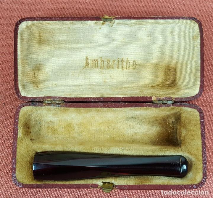 BOQUILLA PARA FUMAR. ÁMBAR (?) CAJA ORIGINAL. AMBERITHE. ESPAÑA. SIGLO XX. (Coleccionismo - Objetos para Fumar - Boquillas )