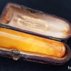 Boquillas de colección: ANTIGUA BOQUILLA PARA FUMAR DE AMBAR Y ORO CON SU ESTUCHE FRANCIA . Lote 113718594