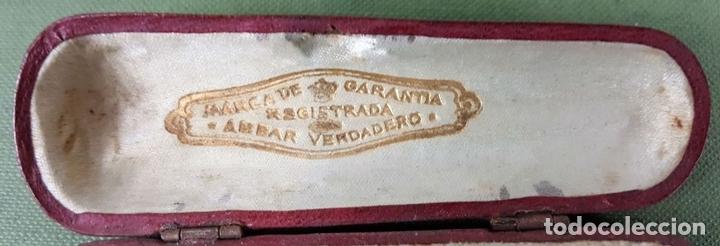 Boquillas de colección: BOQUILLA PARA CIGARROS. AMBAR TALLADO. FUNDA ORIGINAL. CIRCA 1950. - Foto 4 - 123306255