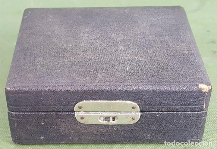 Boquillas de colección: COLECCIÓN DE 7 BOQUILLAS PARA CIGARROS. NÁCAR TALLADO. SIGLO XIX-XX. - Foto 16 - 127740011