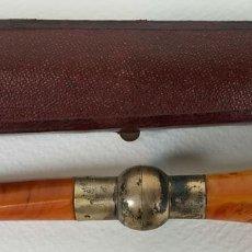 Boquillas de colección: BOQUILLA PARA FUMADORES. RESINA SIMIL AMBAR. REMATES DE PLATA. CIRCA 1940. . Lote 129967591