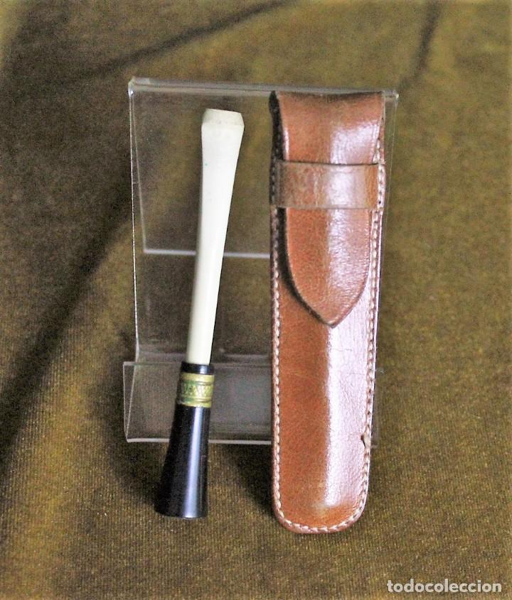 BOQUILLA,HUESO Y LATÓN,CON FUNDA DE CUERO,9 CM DE LONGITUD (Coleccionismo - Objetos para Fumar - Boquillas )