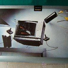 Collectionnisme d'affiches: FOTOMONTAJE DE UN TELEVISOR DEL QUE SALE UNA NAVE ESPACIAL - STEVE BRONSTEIN - 42X68 CM. - 1980 ?. Lote 36163455