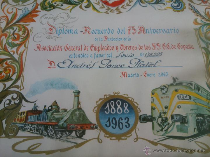 Coleccionismo de carteles: DIPLOMA RECUERDO 75 ANIVERSARIO RENFE.1888/1963.FIRMADO - Foto 6 - 47527689