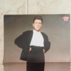 Coleccionismo de carteles: DOBLE POSTER, RICK ASTLEY Y GLENN MEDEIROS DE LA REVISTA SUPER POP. TAMAÑO 42X29 CM. Lote 50178291