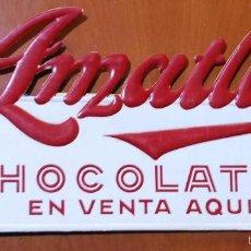 Coleccionismo de carteles: CARTEL CARTON TROQUELADO PUBLICIDAD CHOCOLATES AMATLLER. BARCELONA.. Lote 55572979