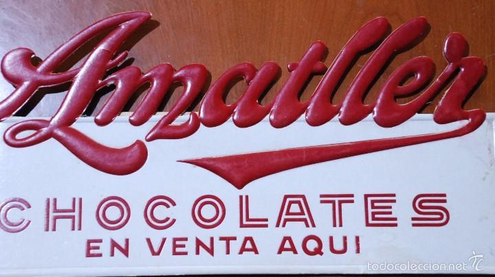Coleccionismo de carteles: Cartel carton troquelado publicidad chocolates amatller. Barcelona. - Foto 2 - 55572979