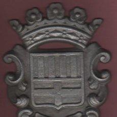 Coleccionismo de carteles: CHAPA O PLACA DEL ESCUDO DE LA CIUDAD DE MANRESA - METALICA. Lote 100070519