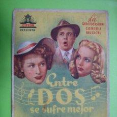 Coleccionismo de carteles: 11 PROGRAMA DE CINE. ENTRE DOS SE SUFRE MEJOR. TEATRO DUQUE DE RIVAS. CÓRDOBA. Lote 125446675