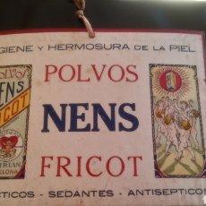 Coleccionismo de carteles: CARTEL DE CARTÓN DE POLVOS NENS FRICOT. AÑOS 20/30.. Lote 129494356