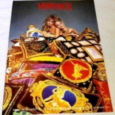 Coleccionismo de carteles: ANTIGUA PUBLICIDAD VERSACE - 29,5X21CM - 1995. Lote 130802624