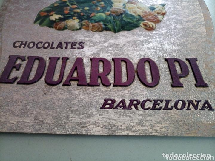 Coleccionismo de carteles: Cartel modernista publicidad chocolate Eduardo Pi en carton duro con mucho relieve troquelado - Foto 2 - 173086109
