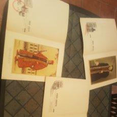 Coleccionismo de carteles: LA INDUMENTARIA DEL MÉDICO A TRAVÉS DE SUS ÉPOCAS TRES LÁMINAS A COLOR. Lote 173770732